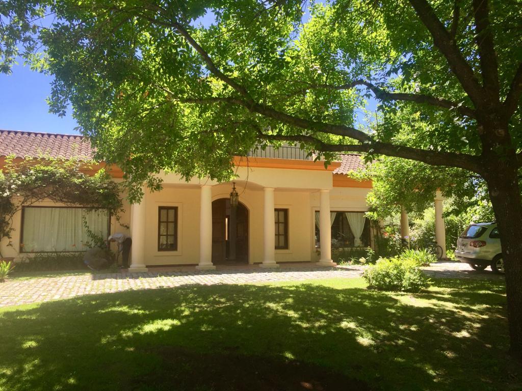 GIN - Grupo Inmobiliario Norte:  Excelente casa estilo colonial en Martindale CC - Pilar