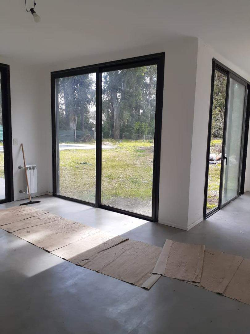 GIN - Grupo Inmobiliario Norte:  Excelente casa en venta de 4 ambientes en Santa Clara, Manzanares